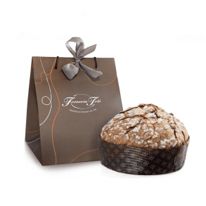 Panettone in shopper